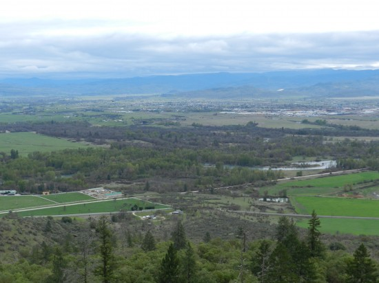 The view of the surrounding Rogue Valley