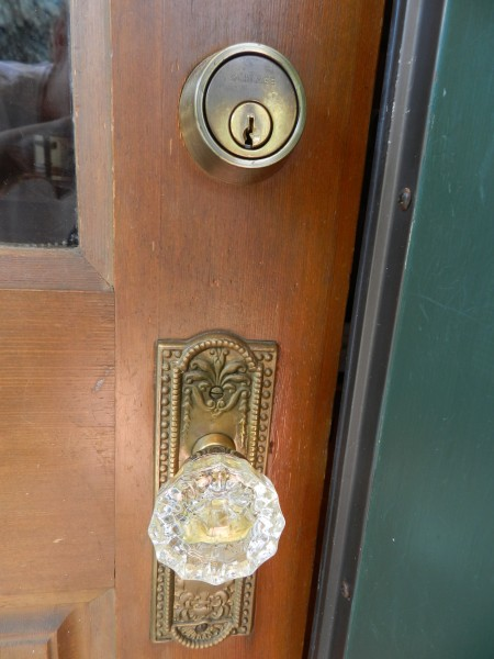 When guests check in they receive a key to the house and a key to their room. Great door knob, right?!