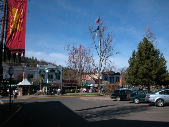 Ashland, OR - downtown plaza
