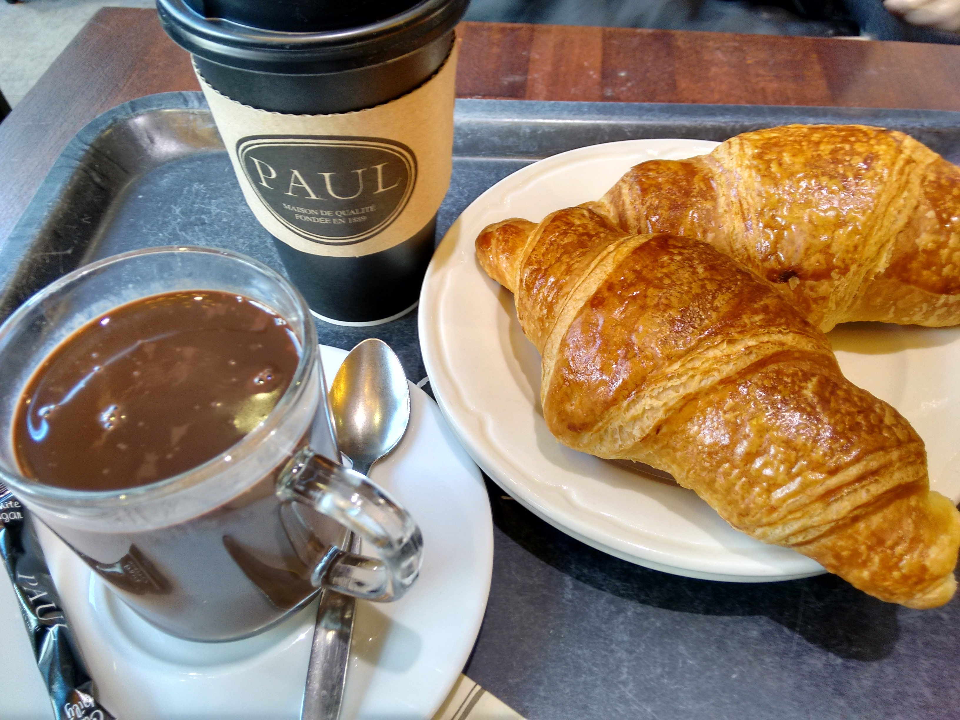 Breakfast at Paul's - Paris