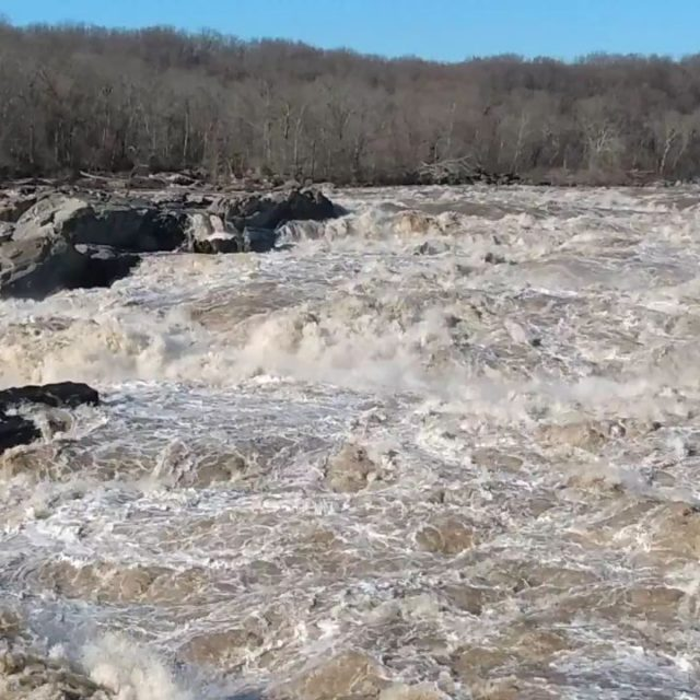 The awesome power of water. #greatfallsmaryland #greatfallsnationalpark #potomacriver #visitmaryland #river #afterthestorm #rushingwater #gooutside #takeahike #mothernature