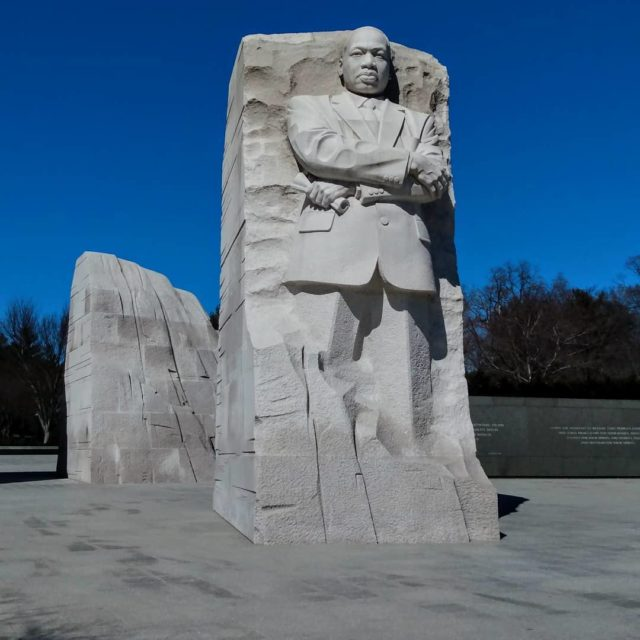 MLK Memorial Washington DC #washingtondc #mlk #mlkmemorial #picture #travelphotography #photography #postcardsfromtheworld